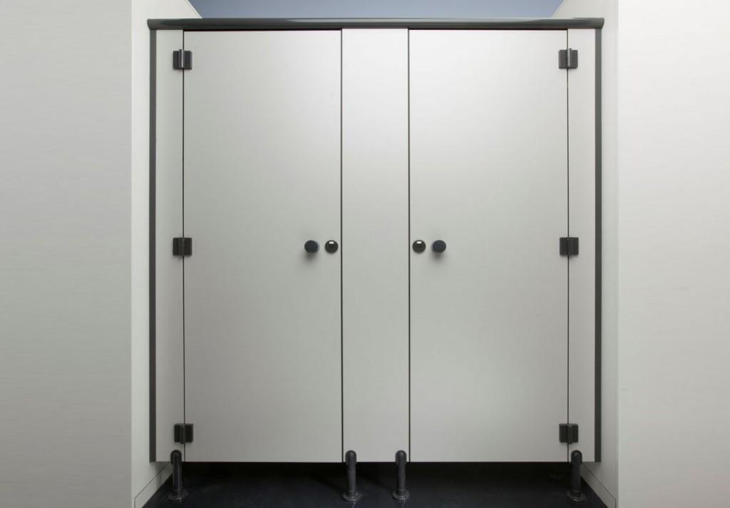WC Trennwände ab Lager oder auf Mass - AMINA Products